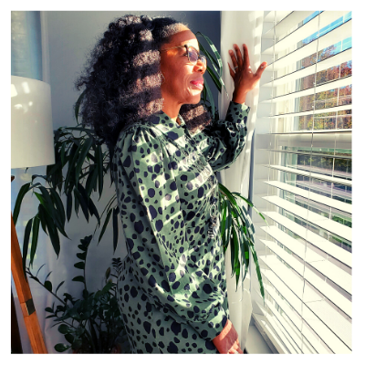 Tracey Forde Looking through the window